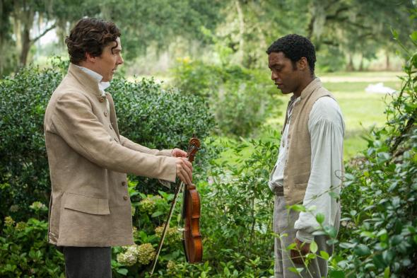 still-of-chiwetel-ejiofor-and-benedict-cumberbatch-in-12-years-a-slave