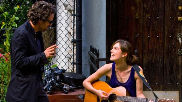 1403742578000-AP-FILM-REVIEW-BEGIN-AGAIN-65293848
